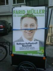 Rathaus Kaffeetreff Neustadt Plakataufstellung